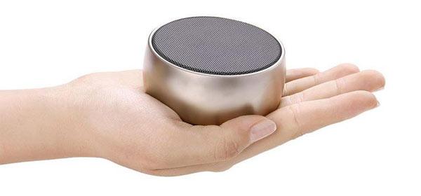 Обзор на руке: Мини-Колонку Bluetooth UBS-01 TF, USB для Android/ iPhone/ iPad/ iPod, BS01.